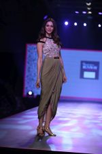 Rakul preet Singh at Smile Foundation & Designer Sailesh Singhania fashion show for the 13th edition of Ramp for Champs at the race course in mahalxmi on 13th Feb 2019 (27)_5c651f02586dd.jpg