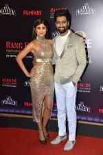 Vicky Kaushal, Shilpa Shetty at Flimfare Glamour And Style Awards on 13th Feb 2019