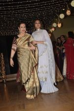 Poonam Sinha at Sonakshi Sinha_s wedding reception in four bungalows, andheri on 17th Feb 2019 (45)_5c6a641118f34.jpg