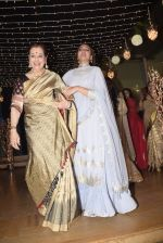 Poonam Sinha at Sonakshi Sinha_s wedding reception in four bungalows, andheri on 17th Feb 2019 (46)_5c6a6412a52b7.jpg