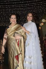 Poonam Sinha at Sonakshi Sinha_s wedding reception in four bungalows, andheri on 17th Feb 2019 (54)_5c6a64803f44c.jpg