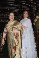Poonam Sinha at Sonakshi Sinha_s wedding reception in four bungalows, andheri on 17th Feb 2019 (55)_5c6a6420d0dd8.jpg