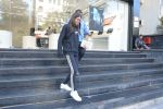 Karisma Kapoor_s daughter Samiera spotted at maple store in bandra on 19th Feb 2019 (8)_5c6d070ce7479.jpg