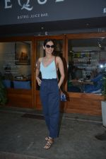 Manushi Chillar spotted at sequel bandra on 19th Feb 2019 (8)_5c6d09ea7c8fc.jpg