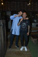 Anil Kapoor with Hakim Aalim at Hakim_s salon in bandra on 21st Feb 2019 (13)_5c6fb11342360.jpg