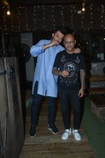 Anil Kapoor with Hakim Aalim at Hakim_s salon in bandra on 21st Feb 2019 (9)_5c6fb10b52755.jpg