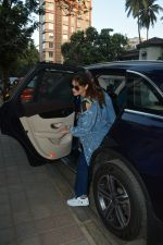 Ileana D_cruz spotted at clinic in bandra on 25th Feb 2019 (15)_5c763d8971aa2.jpg
