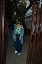 Ileana D_cruz spotted at clinic in bandra on 25th Feb 2019 (19)_5c763d925e8ea.jpg