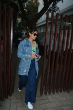 Ileana D_cruz spotted at clinic in bandra on 25th Feb 2019 (21)_5c763d9802adc.jpg