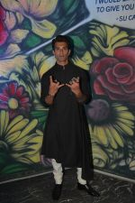 Karan Singh Grover spotted at Sucasa bandra on 26th Feb 2019 (5)_5c7645d69bb2b.jpg