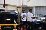 Ranveer Singh spotted at bandra on 25th Feb 2019 (2)_5c763d7ddb931.jpg