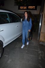 Kareena Kapoor spotted at palli Bhavan Bandra on 27th Feb 2019 (11)_5c77850fe2e0c.jpg