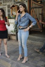 Nidhhi Agerwal spotted at fable juhu on 27th Feb 2019 (6)_5c7788639f87e.jpg