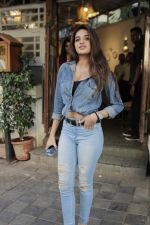 Nidhhi Agerwal spotted at fable juhu on 27th Feb 2019 (8)_5c778868143ac.jpg