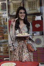 Kriti Sanon at Tewari Sweets to celebrate the success of film Luka Chuppi on 4th March 2019 (32)_5c80d2f91f191.jpg
