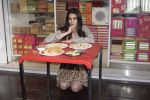 Kriti Sanon at Tewari Sweets to celebrate the success of film Luka Chuppi on 4th March 2019 (40)_5c80d3098ab2d.jpg