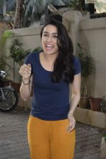 Shraddha kapoor meets her fans on her birthday at juhu on 4th March 2019 (16)_5c80d25dcd583.jpg