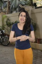Shraddha kapoor meets her fans on her birthday at juhu on 4th March 2019 (23)_5c80d159e8886.jpg