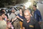 Shraddha kapoor meets her fans on her birthday at juhu on 4th March 2019 (37)_5c80d1772dd6b.jpg