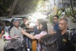 Shraddha kapoor meets her fans on her birthday at juhu on 4th March 2019 (43)_5c80d1832b42f.jpg