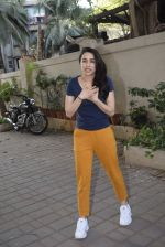 Shraddha kapoor meets her fans on her birthday at juhu on 4th March 2019 (5)_5c80d13547068.jpg