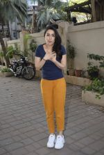 Shraddha kapoor meets her fans on her birthday at juhu on 4th March 2019 (6)_5c80d13776632.jpg