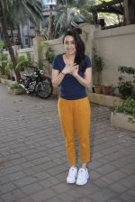 Shraddha kapoor meets her fans on her birthday at juhu on 4th March 2019 (8)_5c80d13b7dc84.jpg