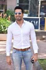 Upen Patel Spotted At Yauatcha Restaurant Along With Olympic Gold Medalist Abhinav Bindra on 10th March 2019 (10)_5c8612c94a577.jpg