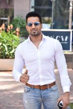 Upen Patel Spotted At Yauatcha Restaurant Along With Olympic Gold Medalist Abhinav Bindra on 10th March 2019 (11)_5c8613e4bfd29.jpg