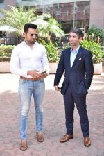Upen Patel Spotted At Yauatcha Restaurant Along With Olympic Gold Medalist Abhinav Bindra on 10th March 2019 (32)_5c8612e295370.jpg