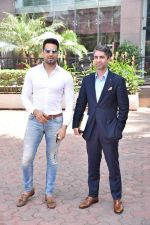 Upen Patel Spotted At Yauatcha Restaurant Along With Olympic Gold Medalist Abhinav Bindra on 10th March 2019 (33)_5c8612e3c92a2.jpg