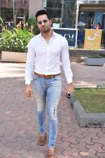 Upen Patel Spotted At Yauatcha Restaurant Along With Olympic Gold Medalist Abhinav Bindra on 10th March 2019 (6)_5c8612c3e3ce7.jpg