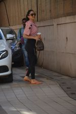 Kiara Advani spotted at dance class in bandra on 11th March 2019 (10)_5c877741c7ad8.JPG