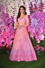Kriti Sanon at Akash Ambani & Shloka Mehta wedding in Jio World Centre bkc on 10th March 2019 (19)_5c876bede932c.jpg