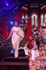 Farah Khan, Shilpa Shetty, Geeta Kapoor on the sets of Super Dancer Chapter 3 on 11th Jan 2019 (77)_5c88ba0bc613e.JPG