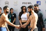 Krishna Shroff with the fighters of Matrix Fight Night at Taj Santacruz on 11th March 2019 (5)_5c88bc320b76d.JPG