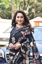 Madhuri Dixit at the Teaser launch of KALANK on 11th March 2019 (22)_5c88aebb1e56c.jpg