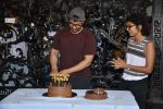 Aamir khan birthday celebration at his house on 14th March 2019 (42)_5c8a0e363436b.jpg