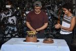 Aamir khan birthday celebration at his house on 14th March 2019 (44)_5c8a0e394993c.jpg
