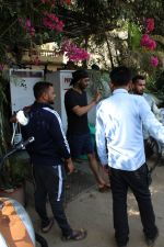 Ajay Devgan spotted at versova on 13th March 2019 (12)_5c8a08e455140.jpg