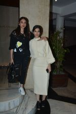 Diana Penty, Aditi Rao Hydari at Manish Malhotra_s house on 13th March 2019 (62)_5c8a0a1940da7.JPG
