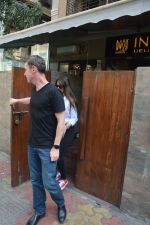 Ileana D_cruz & husband spotted at indigo bandra  on 13th March 2019 (4)_5c89fcc26d64a.JPG