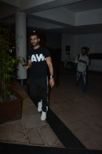 Karan Tacker at Manish Malhotra_s house on 13th March 2019 (36)_5c8a0a565e683.JPG