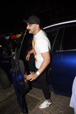 Arjun Kapoor spotted at juhu on 17th March 2019 (4)_5c908ff645430.JPG