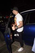 Arjun Kapoor spotted at juhu on 17th March 2019 (5)_5c908ff9857a5.JPG