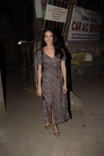 Asha Negi spotted at Kromakay salon in juhu on 17th March 2019 (4)_5c90900624843.JPG