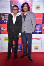 Ajay Gogavale, Atul Gogavale at Zee cine awards red carpet on 19th March 2019 (50)_5c91e7417de6c.jpg
