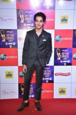 Ishaan Khattar at Zee cine awards red carpet on 19th March 2019 (116)_5c91e8d6f1071.jpg