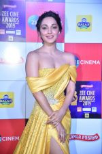 Kiara Advani at Zee cine awards red carpet on 19th March 2019 (210)_5c91e9848b4f9.jpg