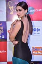 Kriti Sanon at Zee cine awards red carpet on 19th March 2019 (222)_5c91e99d8d971.jpg